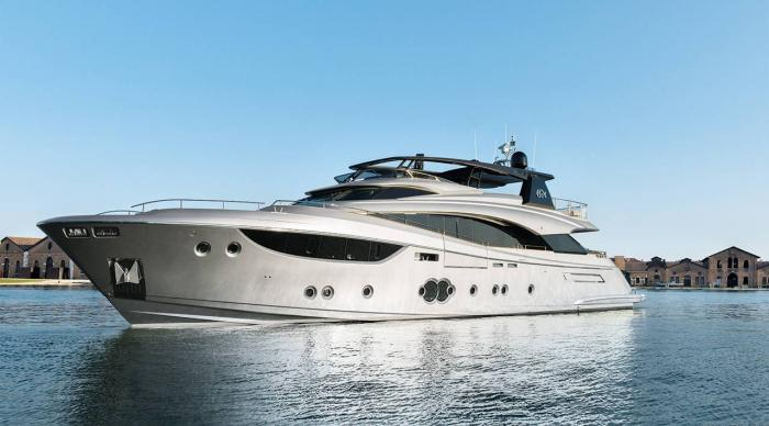 Monte Carlo Yachts - MCY 105